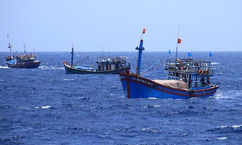 Tàu cá của ngư dân Việt Nam hoạt động trên biển. Ảnh: Văn Đông.