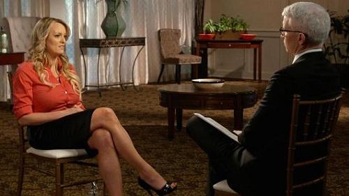 Ngôi sao phim khiêu dâm Stormy Daniels trong chương trình phỏng vấn 60 Minutes phát sóng hôm chủ nhật trên đài CBS. Ảnh: CBS.