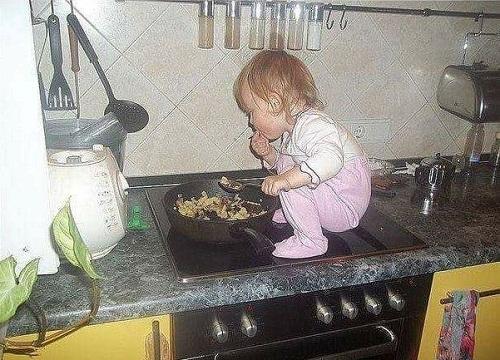 Muốn ăn phải lăn lên bếp.