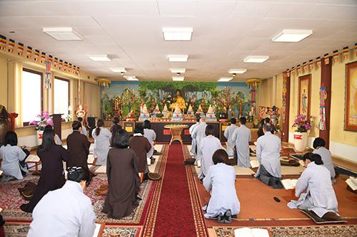 Lễ cầu siêu diễn ra tại chùa Vĩnh Nghiêm,