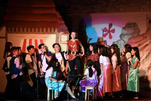 Công diễn vở nhạc kịch Người đẹp và Quái vật tại Trường BIS Hà Nội