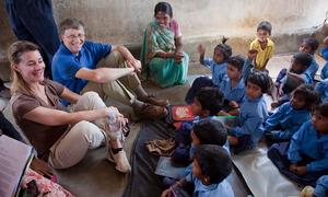 Học tiếng Anh: Vợ Bill Gates kể chuyện song hành cùng chồng
