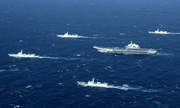 Tàu sân bay Liêu Ninh cùng 40 chiến hạm di chuyển trên Biển Đông