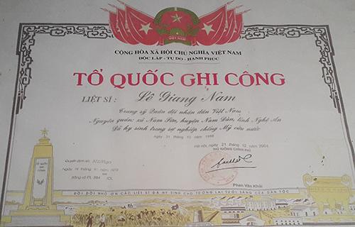 Thông tin về liệt sĩ Lê Giang Nam. Ảnh: Nguyễn Hải.