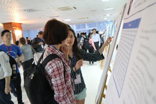 120 chuyên gia nước ngoài trao đổi các nghiên cứu mới về công nghệ thông tin.