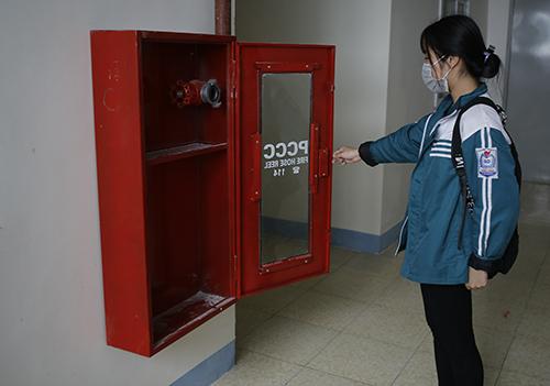 Gần 80 hộ đã vào ở tại chung cư PVNC2 hơn 4 tháng nhưng chưa có hệ thống phòng cháy chữa cháy. Ảnh: Nguyễn Hải.