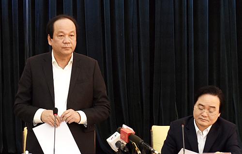 Tổ công tác của Thủ tướng do Bộ trưởng Mai Tiến Dũng dẫn đầu làm việc với Bộ Giáo dục.