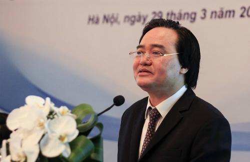 Bộ trưởng Giáo dục và Đào tạo Phùng Xuân Nhạ chia sẻ về chiến lược phát triển tổng thể giáo dục đại học giai đoạn 2021-2030, tầm nhìn 2035. Ảnh: Dương Tâm