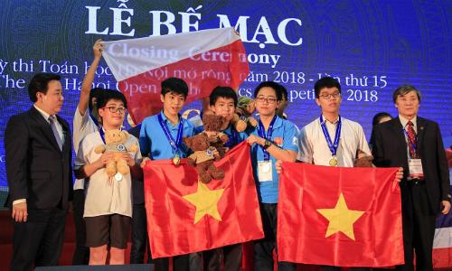 Việt Nam giành 5 huy chương vàng cá nhân và giải nhất tập thể tại HOMC 2018. Ảnh: Dương Tâm