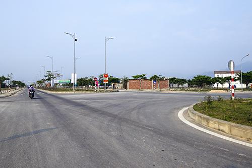 Tuyến đường biển Nguyễn Tất Thành nối dài mới được khánh thành. Ảnh: Nguyễn Đông.