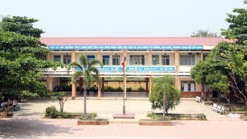 Trường THPT Long Thới (huyện Nhà Bè). Ảnh: Mạnh Tùng.