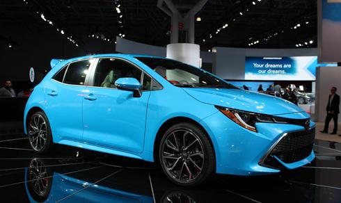 Toyota Corolla hatchback 2019 trình làng tại triển lãm xe hơi New York, Mỹ.