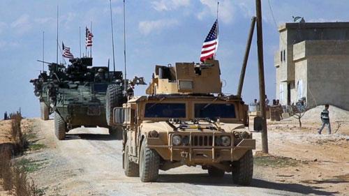 Quân đội Mỹ được triển khai đến gần thị trấn Manbij ở Syria. Ảnh: ABC News.