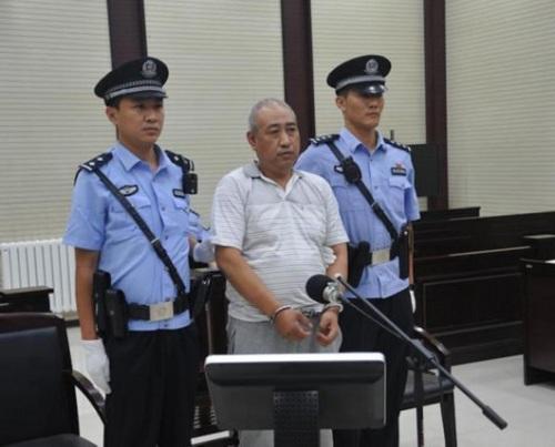 Cao Thừa Dũng tại phiên tòa sáng nay. Ảnh: East Day.
