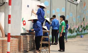 Thanh niên Hà Nội hoàn thành hơn 30 đường bích họa
