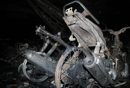 Vụ cháy tại chung cư Carina bước đầu được xác minh do tia lửa từ chiếc xe máy Attila. Ảnh: Duy Trần