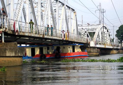 Dự án cầu đường sắt Bình Lợi và cải tạo luồng sôngSài Gòn sẽ hoàn thành vào cuối năm nay. Ảnh: An Nhơn