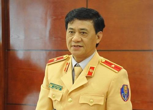 Thiếu tướng Nguyễn Ngọc Tuấn đề nghị đưa trực thăng vào cứu hộ trên cao tốc. Ảnh: BĐ