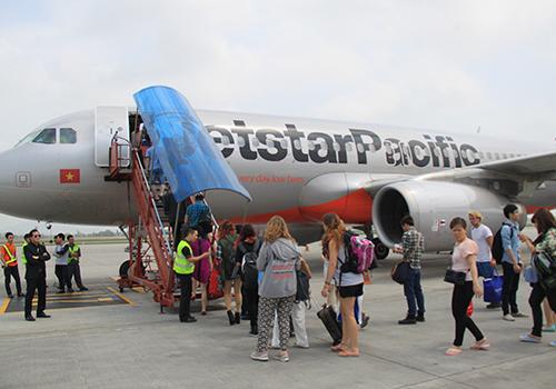 Hai hãng hàng không đồng loạt tăng giá vé với trẻ em
