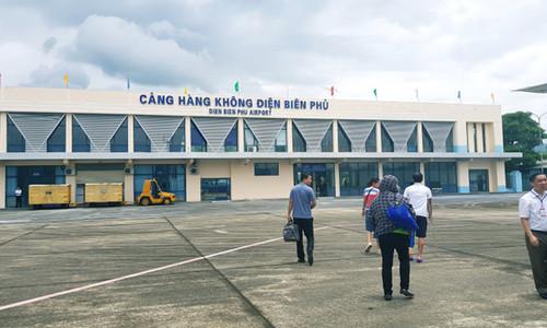 Hai người đột nhập sân bay Điện Biên Phủ