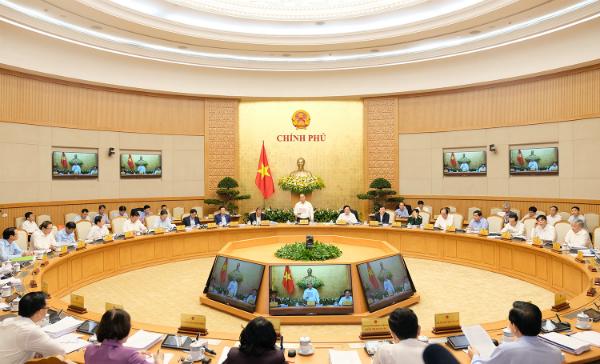 Chính phủ quyết tăng trưởng ít nhất 6,7% trong năm 2018. Ảnh: VGP/Quang Hiếu