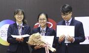 Sáu học sinh giành giải nhất cuộc thi tranh biện Hà Nội mở rộng