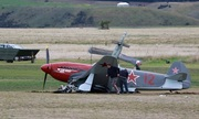 Tiêm kích Yak-3 gãy cánh khi đâm xe cẩu ở New Zealand