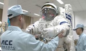 Phi hành gia Trung Quốc chuẩn bị cho nhiệm vụ trên trạm vũ trụ