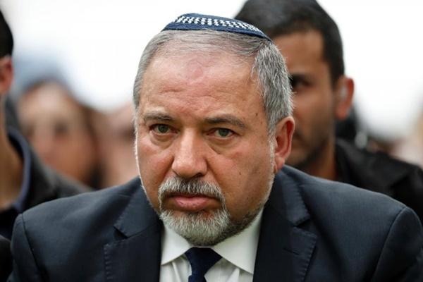 israeli-defense-minister-avigd-8076-2418