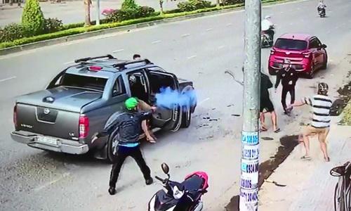 Thanh niên Đồng Nai nổ súng thanh toán nhau giữa đường