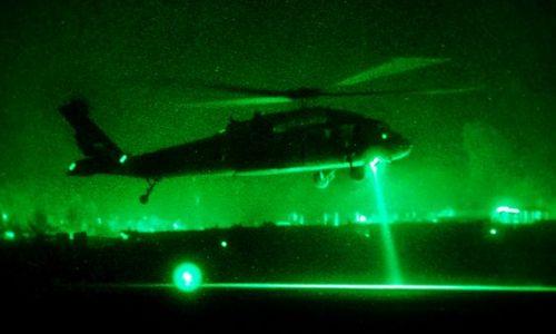 Trực thăng Mỹ dễ dàng bị phát hiện bởi kính nhìn đêm. Ảnh: Pinterest.