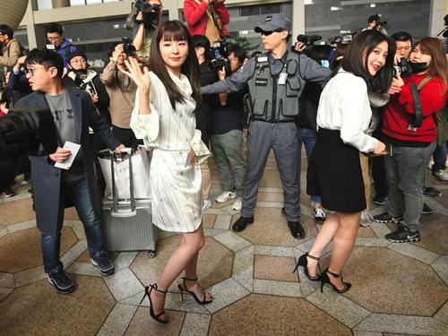 Nhóm nhạc nữ Hàn Quốc RedVelvet lên đường sang Triều Tiên biểu diễn. Ảnh: Sky News.