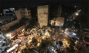 Ôtô lao sập khách sạn ở Ấn Độ, 10 người chết
