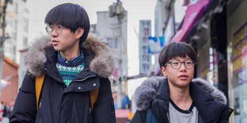 Park Kwon (trái) và Ju Cheol-kwang đào tẩu khỏi Triều Tiên vào 5 năm trước. Ảnh: NBC.