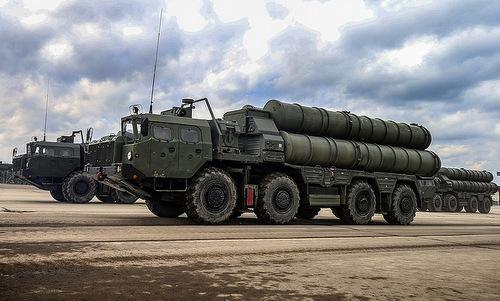 Tổ hợp phòng không S-400 của Nga. Ảnh:Sputnik.