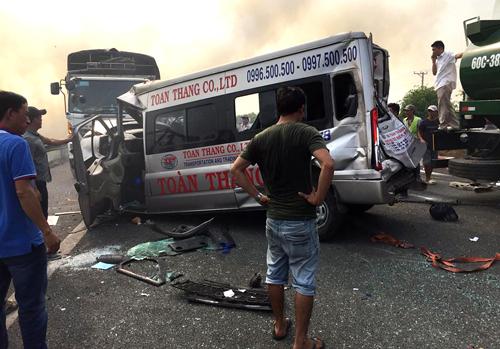 Một số xe bị tai nạn. Ảnh: Dương Phong
