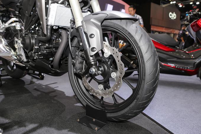 Honda CB300R 2018 giá từ 4.800 USD tại Thái Lan