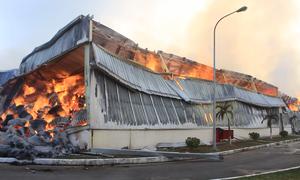 6 xe cứu hỏa Trung Quốc giúp dập lửa khu công nghiệp ở Quảng Ninh