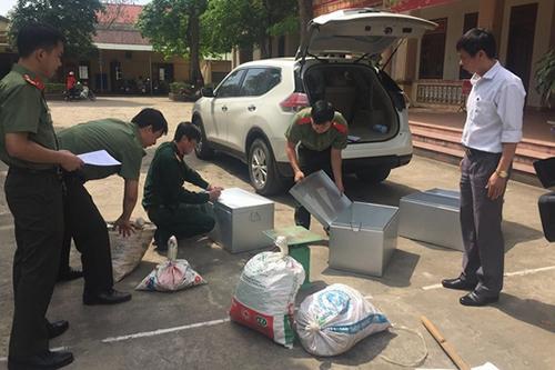Cảnh sát bắt 9 người chuyên thu mua thuốc nổ từ bom đạn chiến tranh