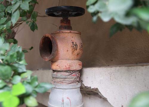 Trụ nước cứu hoả tại khu tái định cư An Sinh. Ảnh: Gia Chính.