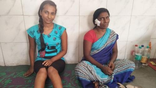 Hai mẹ con Meshram đã hồi phục và chuẩn bị về làng. Ảnh: BBC.