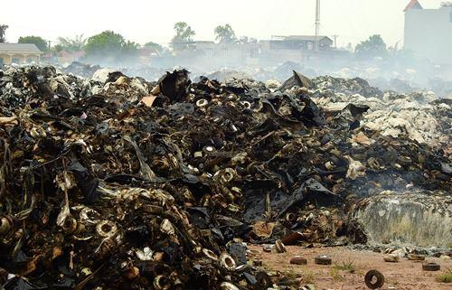Đám cháy kho bông vải ở Quảng Ninh kéo dài 34 tiếng