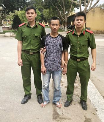 Côn đồ giết người trước khách sạn ở Sầm Sơn