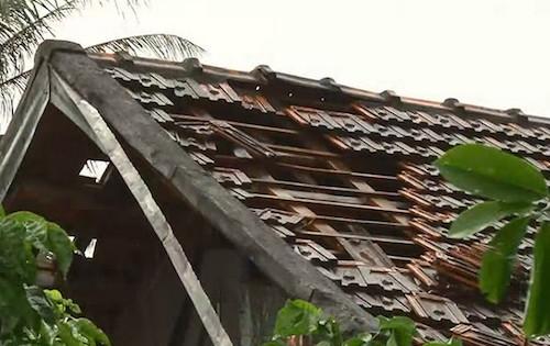 Gần 150 nhà dân hư hỏng do lốc xoáy, mưa đá