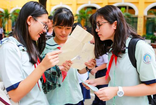 Thí sinh dự thi vào lớp chuyên ở TP HCM năm 2017. Ảnh: Thành Nguyễn.