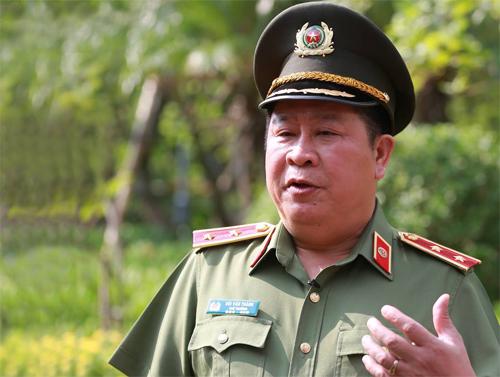 Trung tướng Bùi Văn Thành trong một lần trò chuyệnvới báo chí. Ảnh: Ngọc Thành.
