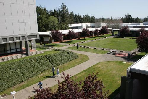 Southwestern Oregon Community College (SOCC) là trường cao đẳng lâu đời tại  bang Oregon (Mỹ).