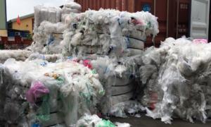 Nhập trái phép hơn 35 tấn nhựa phế liệu về cảng Cát Lái