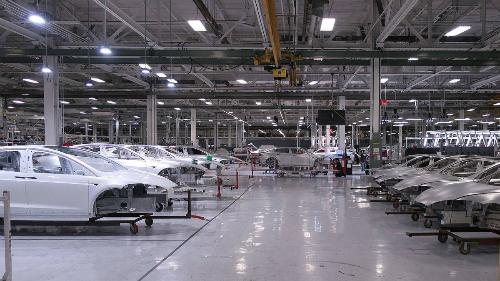 Tesla hiện chưa có nhà máy tại Trung Quốc. Ảnh: Autoweek