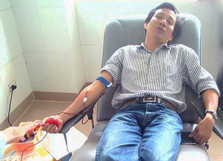 Anh Nguyễn Đức Hùng có ba lần hiến máu hiếm cứu người. Ảnh: Xuân Tấn